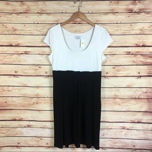 Van Heusen Short Sleeve Dress Black White NWT 16